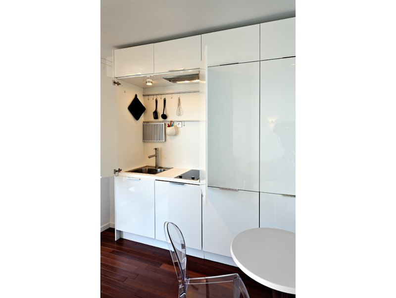 Студия из однокомнатной квартиры 36 м в Париже, дизайнер Laetitia Viallon.