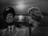 В джазе только девушки / сцена из фильма (1959)
