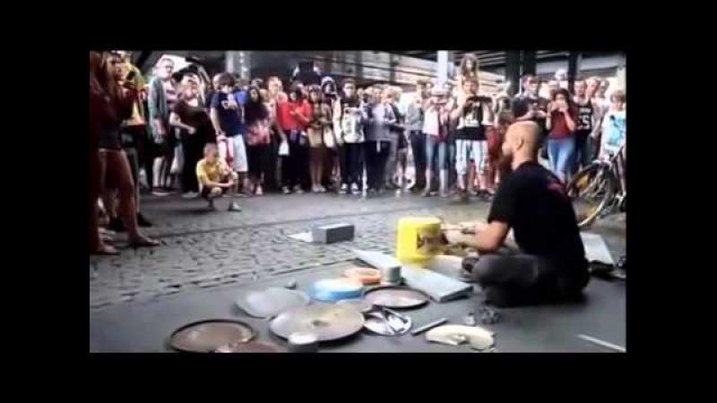 УЛИЧНЫЕ МУЗЫКАНТЫ БАРАБАНЩИК ВИРТУОЗ МИНУСА МИНУСОВКИ