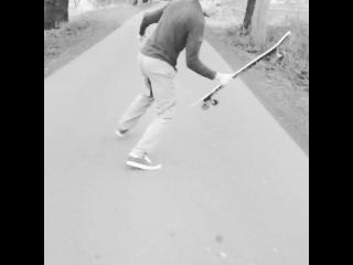Philipp Baumann on Instagram: Some dancing :) #longboard #dancing #aerograb #crossstep #indianaskateboards #peterpan #carving #fast #longboardlife #elmshorn #fun #fun