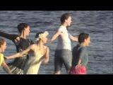 Танцевальный флешмоб на воде. Алые Паруса 2012.