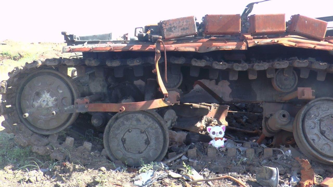 Уничтоженные у Старобешево российские танки Т-72БА и Т-72БМ - Цензор.НЕТ 9334