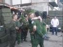 Террорист-ополченец Гиви танцует на дне рождения