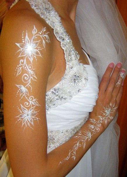 Идеи свадебного тату белой хной.