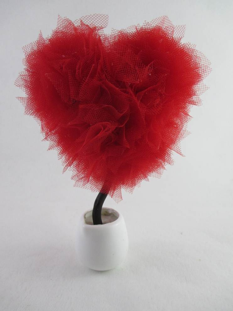 Топиарий из фатина сердце