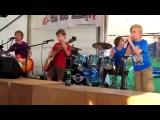Детская рок группа не слабо исполнила кавер на песню Металлики