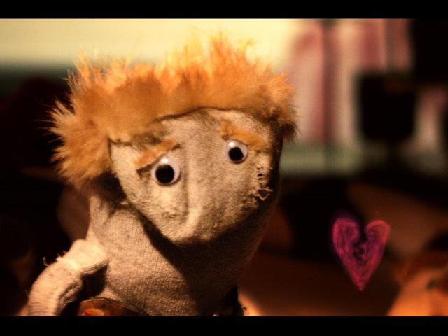 Radiohead - Creep (Sock Puppet Parody) Valentine's Special