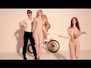 Эмили ратаковски (emily ratajkowski) топлес в клипе robin thicke blurred lines . and pharrell (2013)