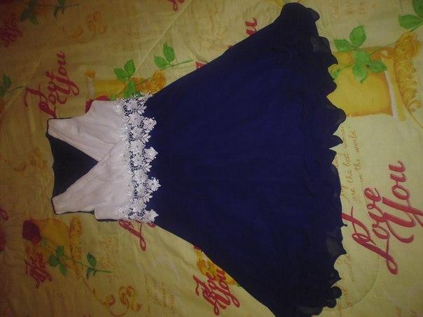 Продам платье не дорого 44 разм чуть выше колен по вопросам пишите в л