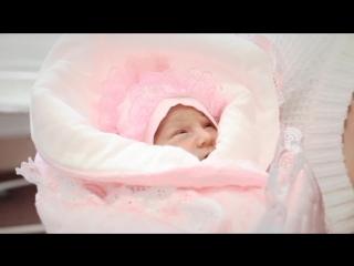 Выписка из роддома девочки видеосъёмка роддом Снегирёвка СПб, волшебная зимняя выписка.