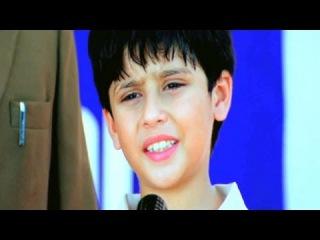 Anil Kapoor encourages his handicapped son - Rishtey, Scene 3/18