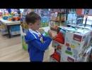 mister max Париж День 8 идём в детский магазин игрушек купим Хот Вилс машинку Toys shopping in Paris