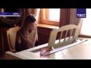 Прокурор Крыма Наталья Поклонская играет на рояле в Ливадийском дворце 23 10 2014