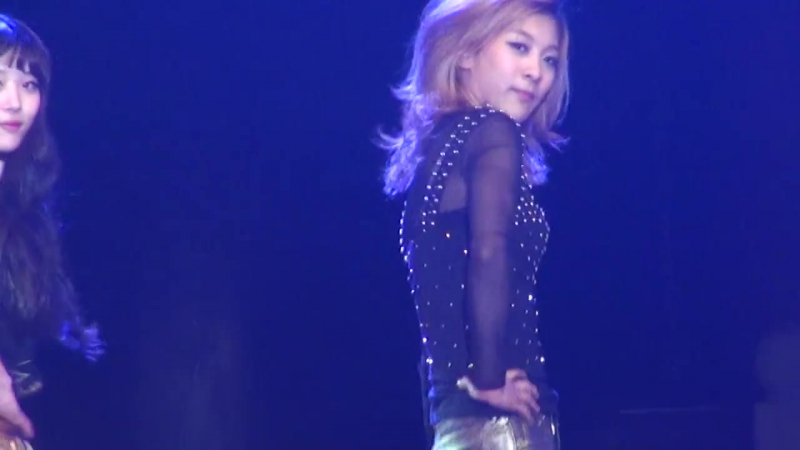 Nu ABO at 1st Chinese Student Festival (111006) (Luna Focus)