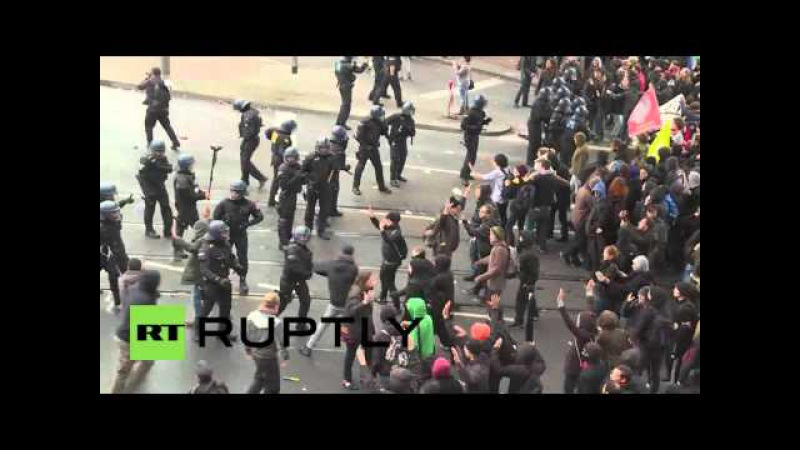Germany: Police use water cannon against HoGeSa counter-demo in Cologne