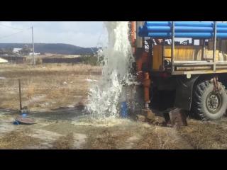 Бурение скважины на воду.