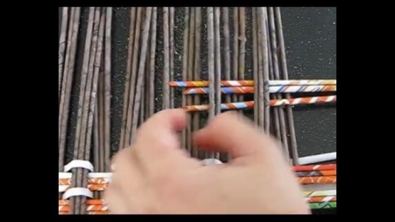 ▬► Плетение из газет прямоугольного дна корзины » Freewka.com - Смотреть онлайн в хорощем качестве