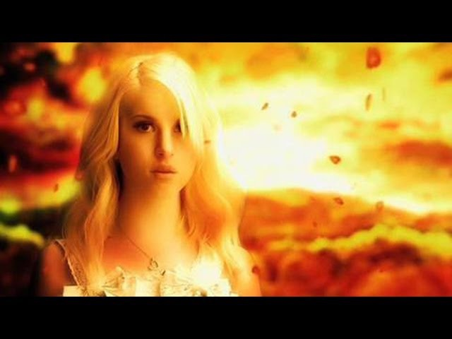 Paramore: Brick By Boring Brick [OFFICIAL VIDEO]