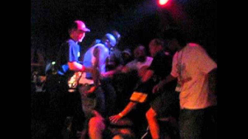 Rapper O.C. (DITC) Gets into fight on stage