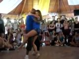 Необычно красивый танец-это просто надо видеть