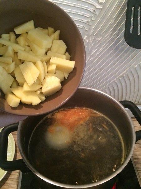 Сколько варить картошку в бульоне