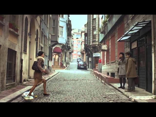 Yalın - Keyfi Yolunda Aşkı Sonunda (Official Video)