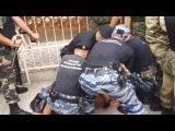 В Крыму СПЕЦНАЗ жестко разогнал