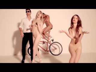 Blurred lines 18