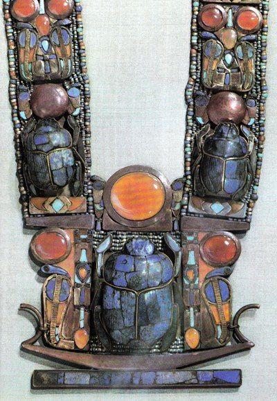 валтея - Куклы как объект поклонения: традиционные, обрядовые, магические, вуду. Идолы,тотемы, ритуальные маски, обереги, артефакты. IWcp5m8ZZTQ