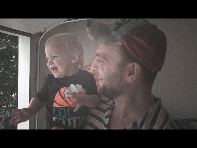Toddlers Priceless Reaction to Her First Summer Rain with Daddy!