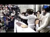HASIDIC Jews Sing & Dance ~ (Get HAPPY NOW!) Dancing at 4:08