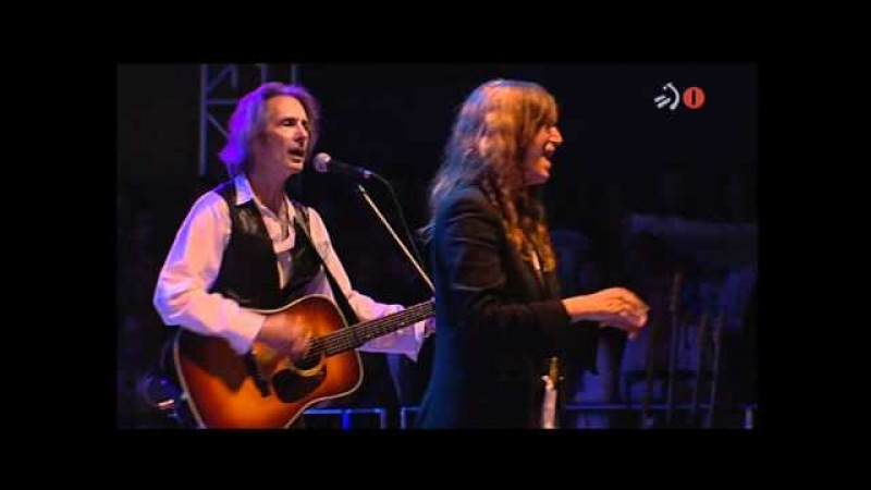 Patti Smith - (4/13) - Ghost Dance (2010/07/21)