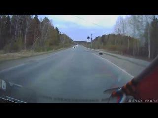 Обгон в опасном повороте через сплошную - Снежинск 7 мая 2015