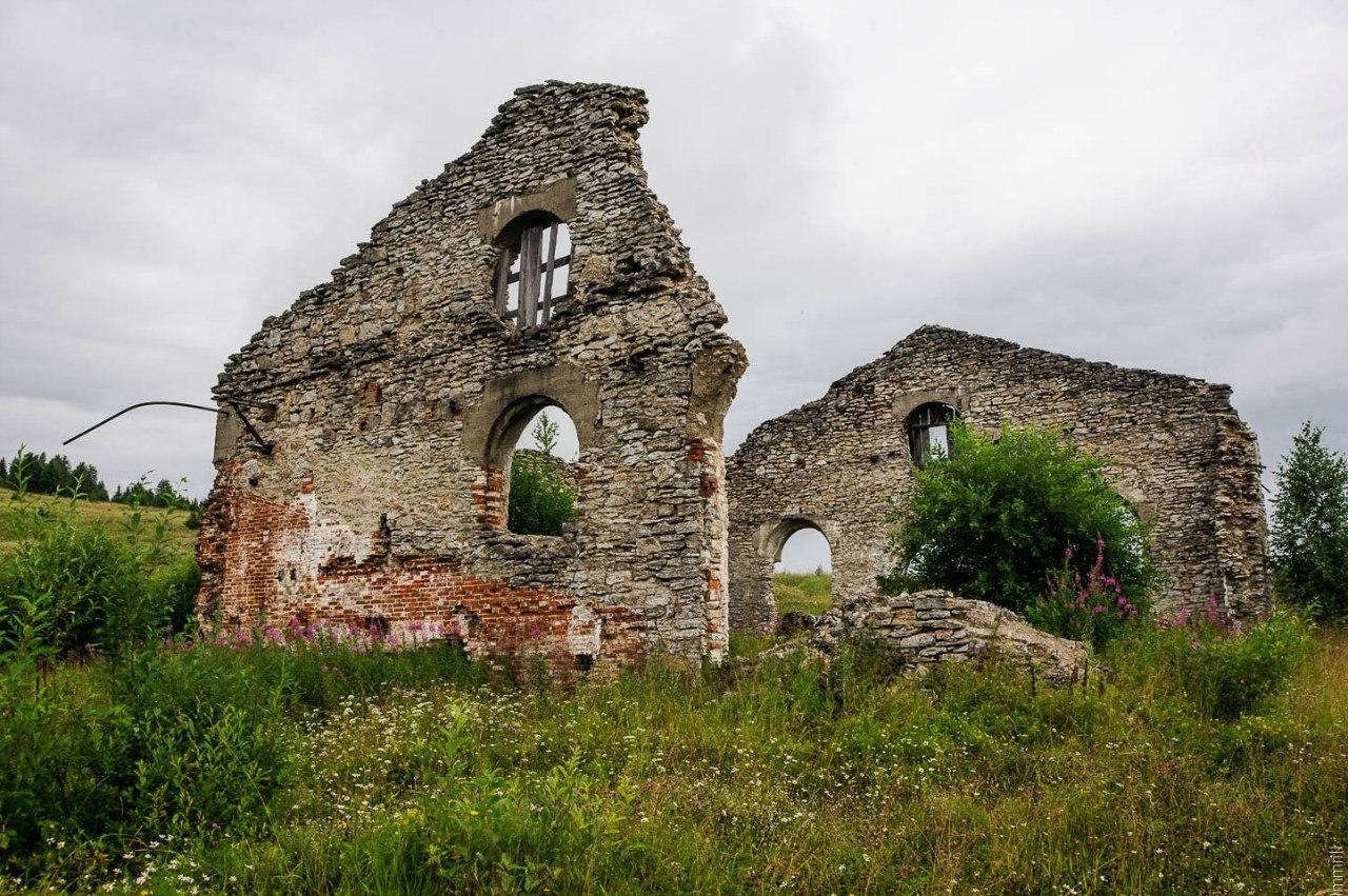 Руины Ивакинского химического завода