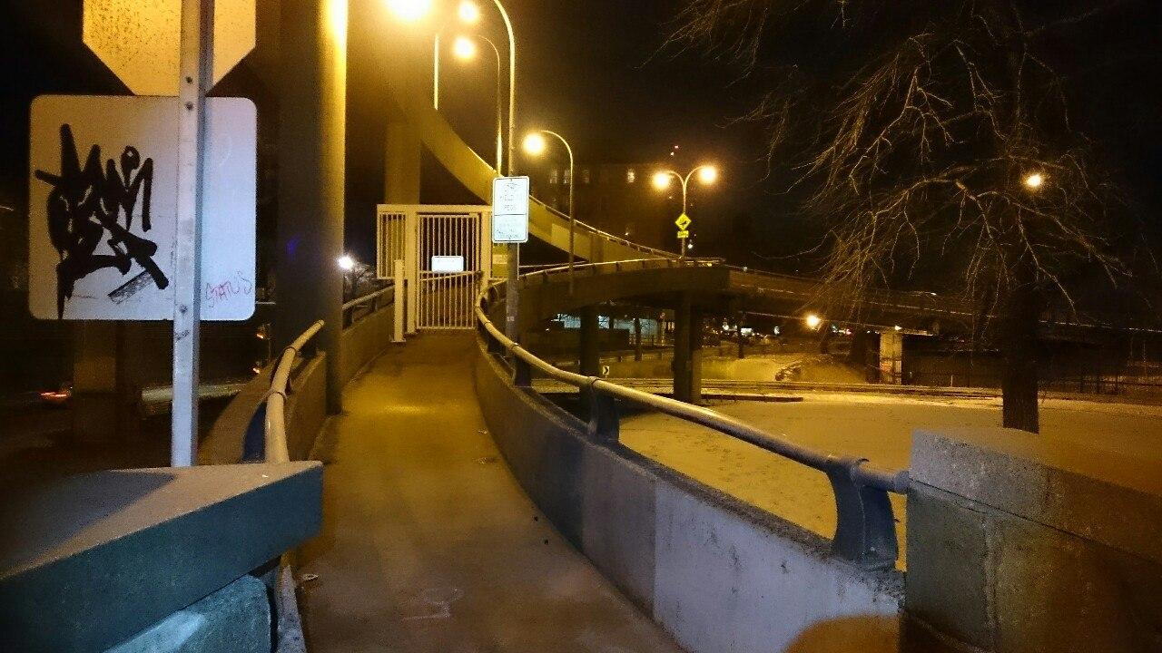 Закрытый путь через мост Джорджа