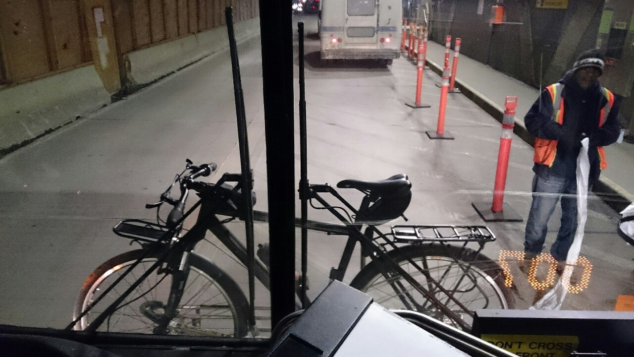 Мой велосипед на переднем креплении автобуса
