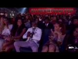 Rihanna duct taped Floyd Mayweathers mouth shut at the BET awards