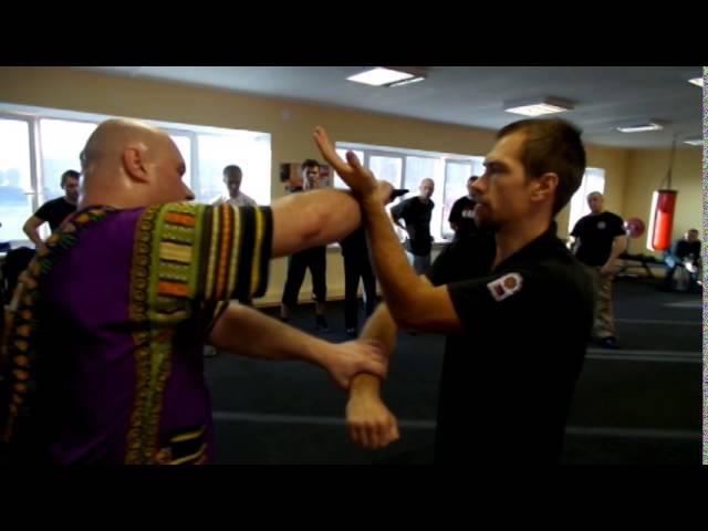 Филиппинский бокс: 1-я комбинация Ларав Панантукан - Мастер Александр Плаксин