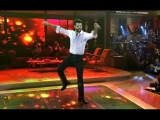 Бурак Озчивит танцует турецкий народный танец Зейбек.Burak Ozcivit is dancing