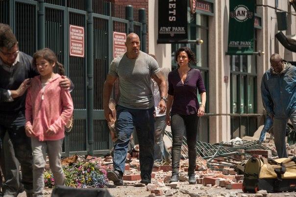 Почему Дуэйн Джонсон не подходит для главной роли в «Разломе Сан-Андреас»