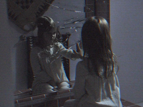 Заключительная (на этот раз действительно) часть франшизы «Паранормальное явление» - «Паранормальное явление 5: Призраки» обзавелась первыми промо кадрами.