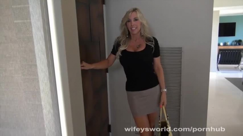 Wifey please jerk me off and eat my