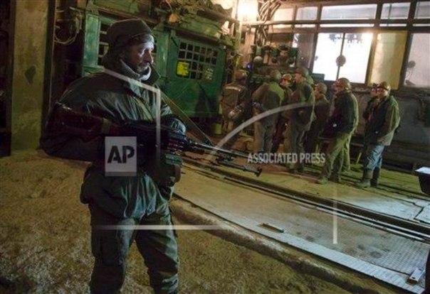 Террористы продолжают демонтировать и вывозить в Россию оборудование с предприятий, - спикер АТО - Цензор.НЕТ 2651
