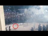Бросок гранаты в силовиков. Вид из Рады.