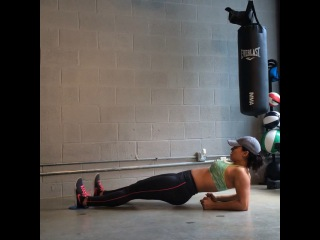 """Carmen Morgan on Instagram: """"Inner Thigh Moves that also burn that core!😄💥💪🏽👍🏽 1st Move: Both Legs at once, 2nd Move: Pendulum s"""
