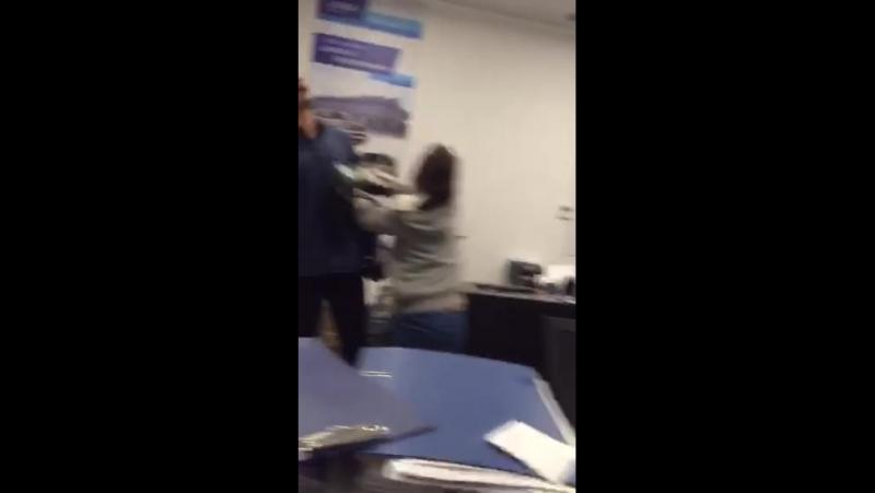 Первый зам генерального директора LENBA пришла в офис
