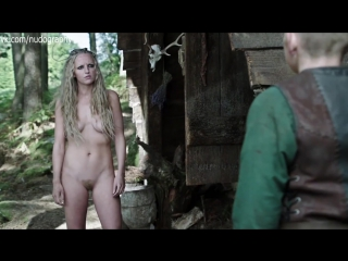 Мод Хирст (Maude Hirst) голая в сериале Викинги (Vikings, 2013) - Сезон 1 / Серия 5 (s01e05) - без цензуры