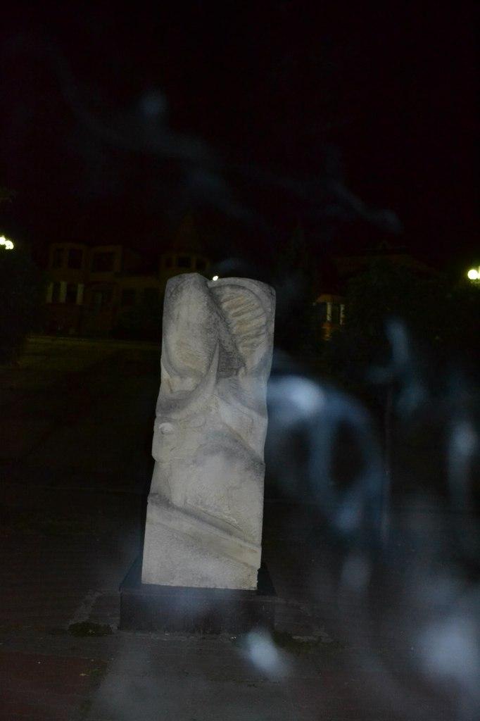 Украина. Киев. Оболонь. 18 августа 2015 г. Елена Руденко GExUxS1Vezs