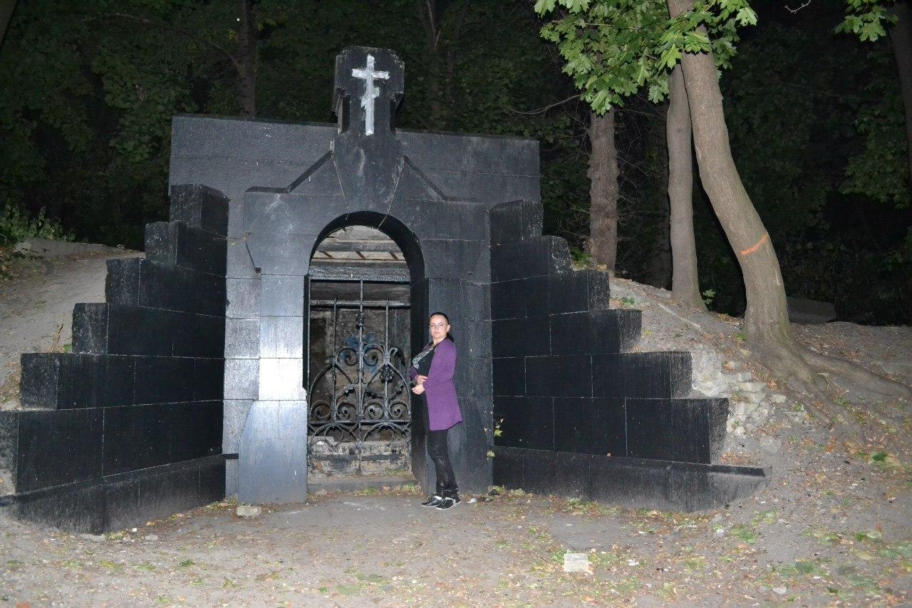 Экскурсии по Киеву. Замковая гора ( Гора Хоривица, Киселевка, Флоровская гора) Wz9dqa9lros