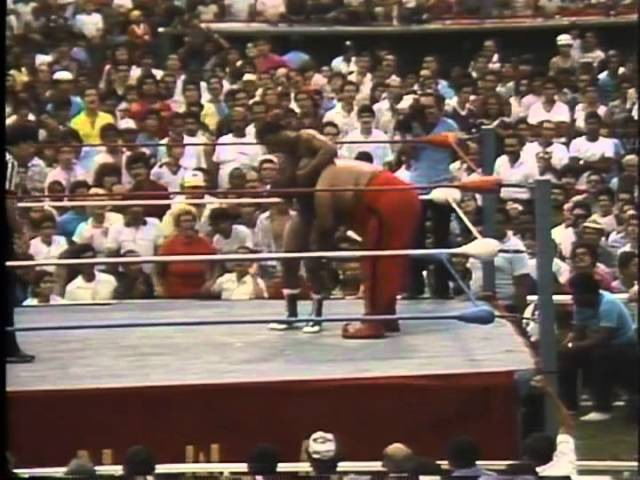 WWC Carlos Colón vs Abdullah The Butcher Vengeance Match 1986